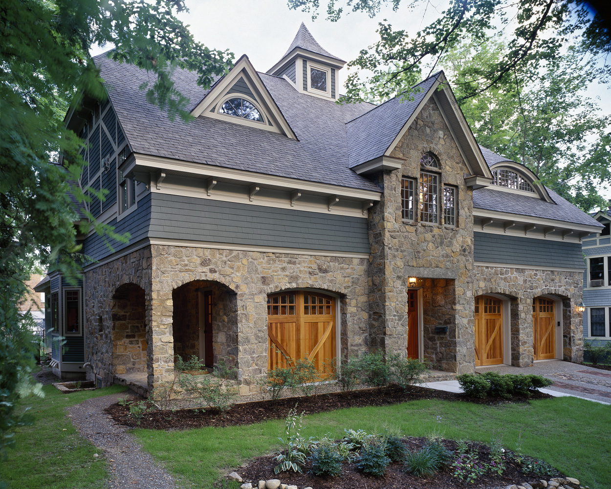 1997 showcase of homes witt construction for Traditional house building